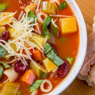 http://recantodastoninhas.com.br/wp-content/uploads/2017/09/salada-quente.jpg