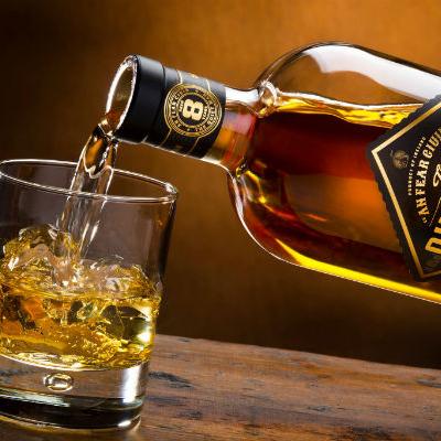 http://recantodastoninhas.com.br/wp-content/uploads/2017/09/whisky-2.png