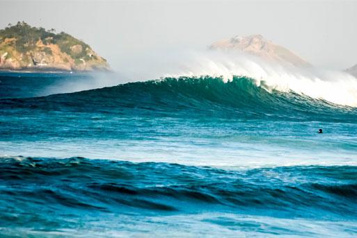 Praia para surfar em Ubatuba