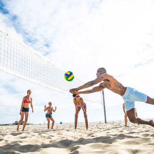 Vôlei e futebol de areia